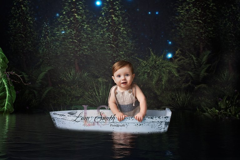 Image created by Utah child photographer Loni Smith with a boat