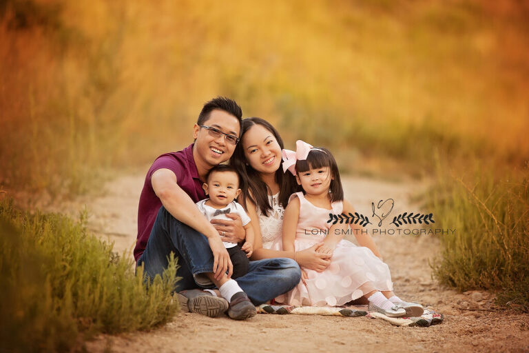 Family photo session with Utah photographer Loni Smith